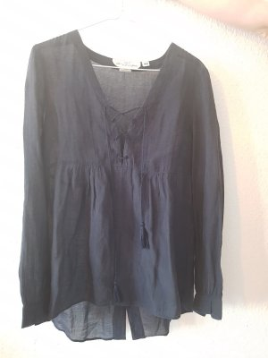 dunkelblaue Bluse mit Schnürung und Schlitz am Rücken