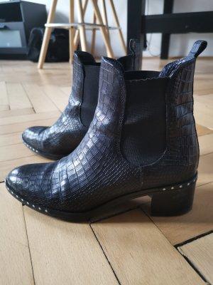 Dunkelblaue Chelsea Boots einmal getragen