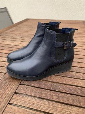 dunkelblaue Chelseaboots