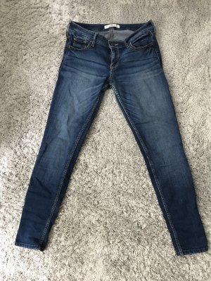 Dunkelblaue Hollister Jeans in der Größe W27/L29
