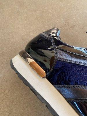 Dunkelblaue Interessante Sneakers