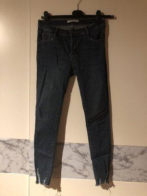 Pantalón de tubo azul oscuro