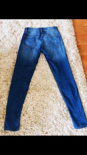 H&M Vaquero estilo zanahoria azul-azul oscuro