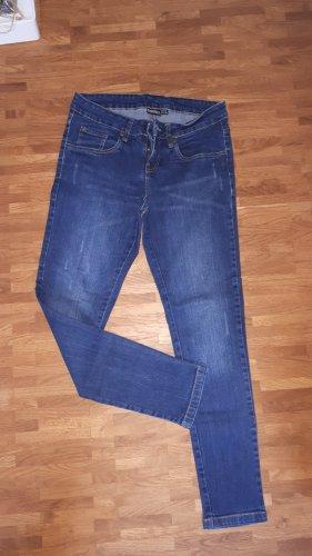 Dunkelblaue Jeans, Gr. 36