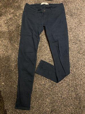 Dunkelblaue Jeans von Hollister in W28 L31