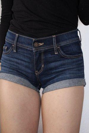 dunkelblaue kurze Jeansshorts von Hollister