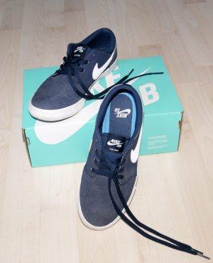 Dunkelblaue Leder-Sneakers von Nike SB