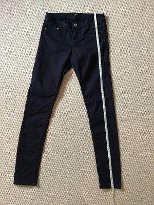 Dunkelblaue /schwarze jeans