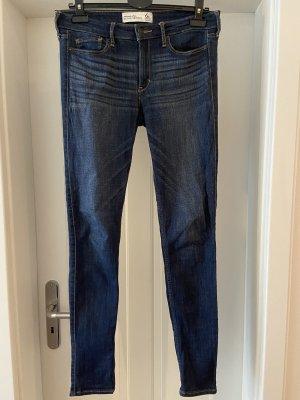 Dunkelblaue Skinny High Waist Jeans von Abercrombie & Fitch Gr. 6R