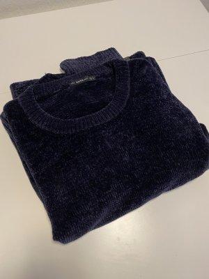 dunkelblauer Oversize-Pulli (leicht schimmernde Wolle)