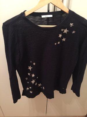 Dunkelblauer Pullover mit Sternenmotiv