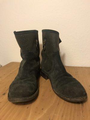Dunkelblauer Stiefel, Boots