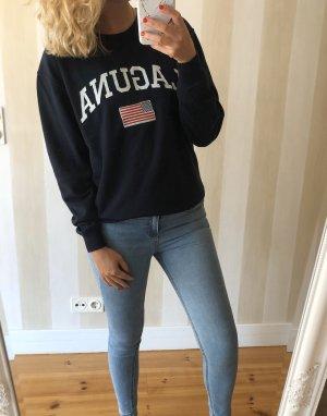 Dunkelblauer sweater