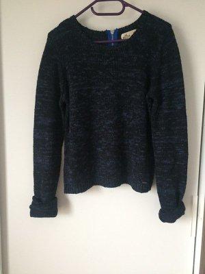 Dunkelblauer weicher Pullover von Hollister