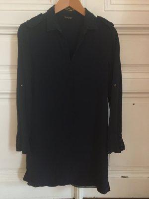 Dunkelblaues Blusenkleid in Seidenoptik von Massimo Dutti