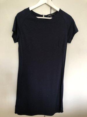 Dunkelblaues Etui-Kleid