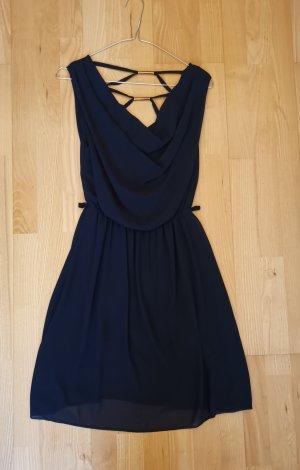 dunkelblaues Kleid