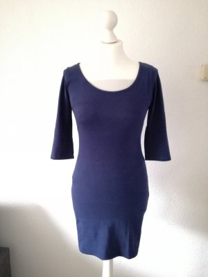 Dunkelblaues Kleid H&M mit dreiviertel Ärmeln