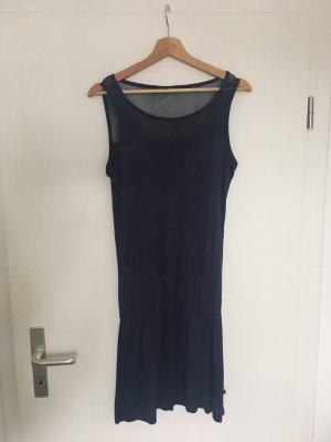 Dunkelblaues Kleid mit Mesh