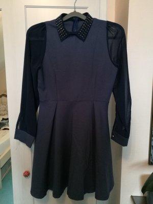 Dunkelblaues Kleid mit Nieten, Größe S/M