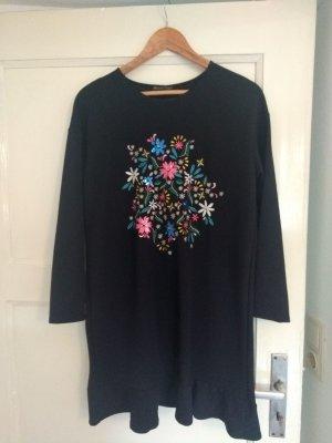 Dunkelblaues Kleid mit Perlenstickerei und Wellenkante, nur 2 Mal getragen