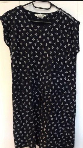 Dunkelblaues Kleid von Massimo Dutti