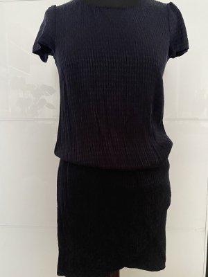 Dunkelblaues Kleid von Promod
