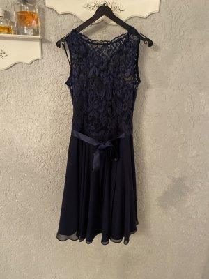 Dunkelblaues Kleid von Swing