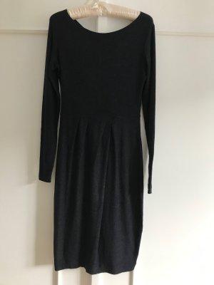 Dunkelblaues Langarm Kleid