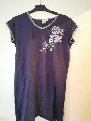 Dunkelblaues Nachthemd