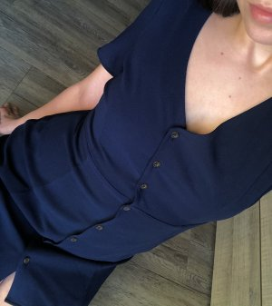 Dunkelblaues Sommerkleid mit Knöpfen