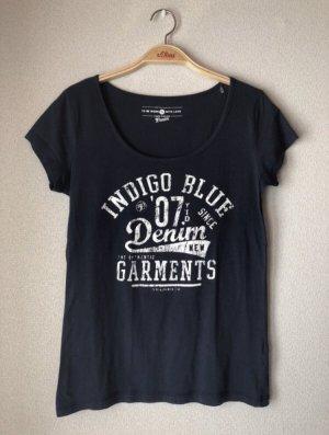 Dunkelblaues Tshirt mit Schriftzug