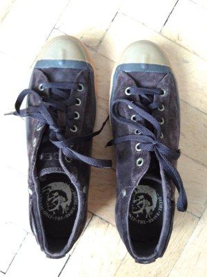 Dunkelbraune Diesel Nubuk Sneaker , Größe 41, ungetragen