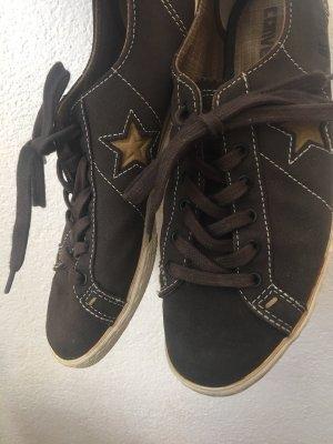 dunkelbraune Leder-Converse