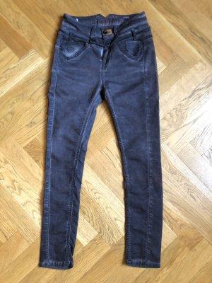 Dunkelgraue Boyfriend Jeans von Tigerhill