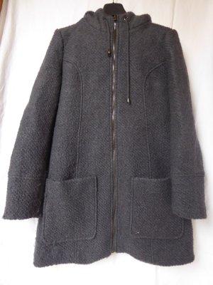 Dunkelgraue Jacke mit Kapuze (u. a. aus Wolle) von Gina Benotti