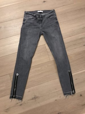 Dunkelgraue Jeans von ZARA
