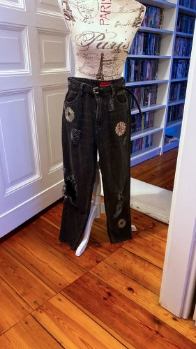 Dunkelgraue Mom Jeans mit Blumendetails Pull&Bear Gr. 40