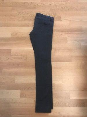Dunkelgraue/schwarze Jeans von superfine, Größe 31. schmal geschnitten und passt auch für Größe 30