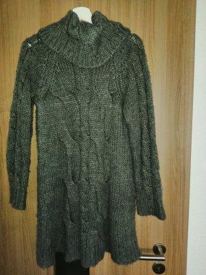 dunkelgraues Winterkleid Größe M