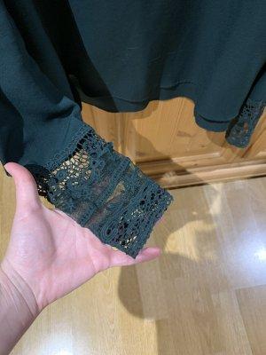 Dunkelgrüne Bluse mit Spitzenärmel