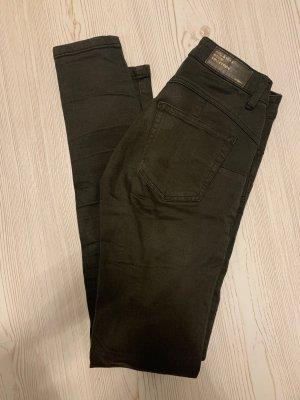 Dunkelgrüne Jeans von Pull&Bear