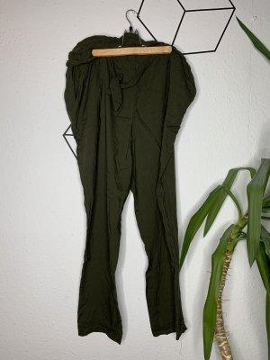 Dunkelgrüne Sommerhose