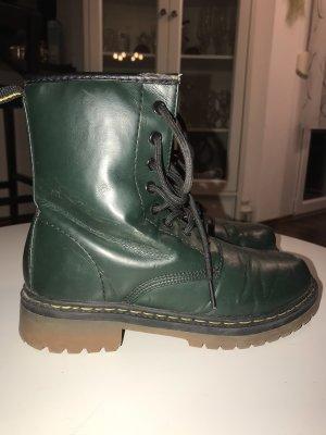 dunkelgrüne Stiefel