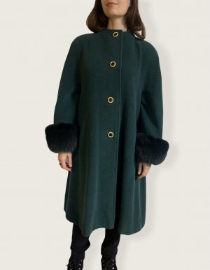 Dunkelgrüner vintage Mantel mit Fellbesatz an den Ärmeln