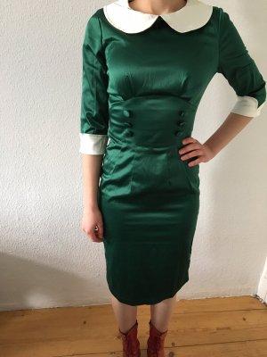 Dunkelgrünes 50s Kleid im Retrolook