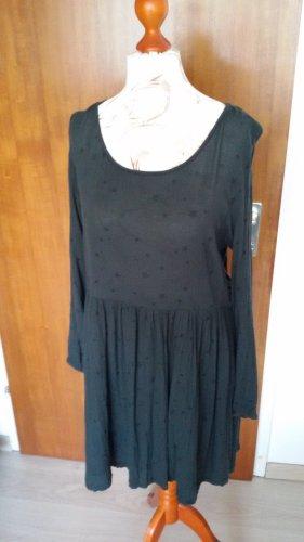 dunkelgrünes Kleid mit Sternchen