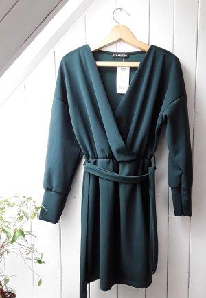 Dunkelgrünes Kleid von Styleboom