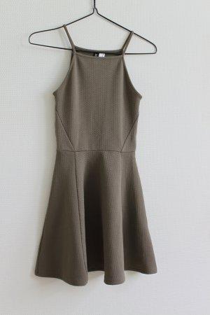 dunkelgrünes strukturiertes Trägerkleid - H&M