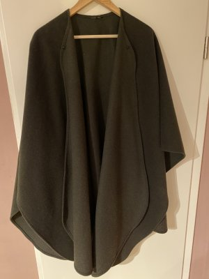 Cape dark green
